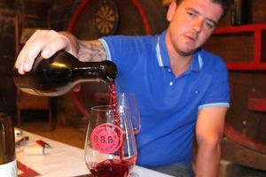1remi_dufaitre_pouring_brouilly
