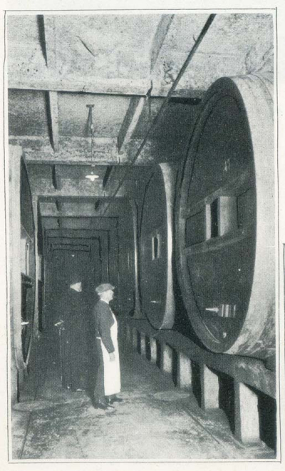 1champagne_1920s-17large-capacity_foudres