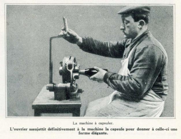 1champagne_1920s-15machine_capsuler