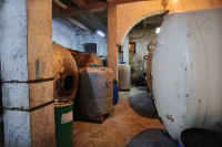 1voskevaz_winery_tanks