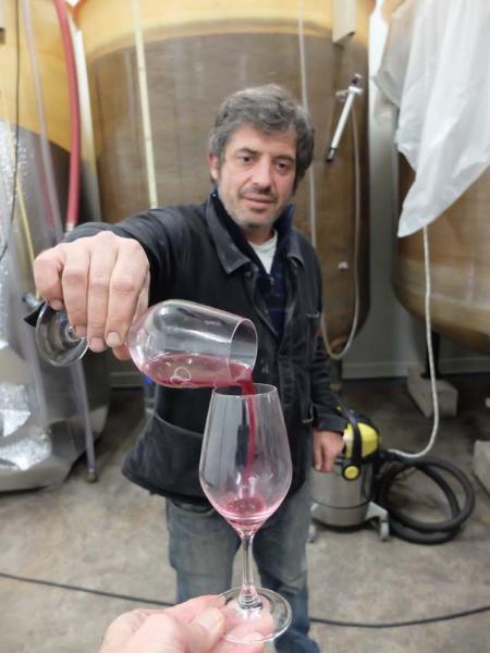 1nicolas_vauthier_tasting_syrah_in_burgundy