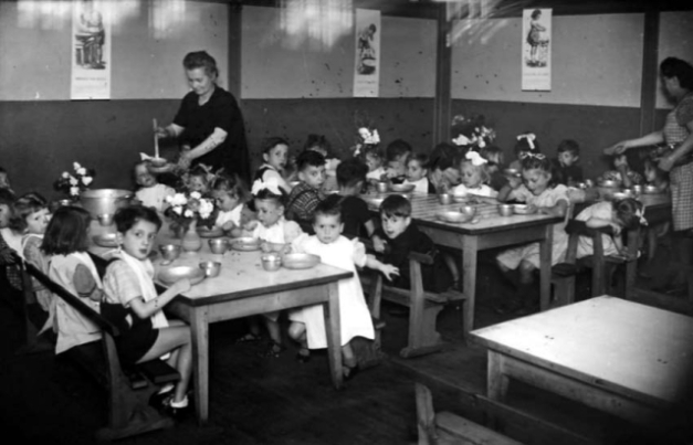 1cantine_scolaire1960