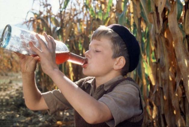 1boy_drinking_wine