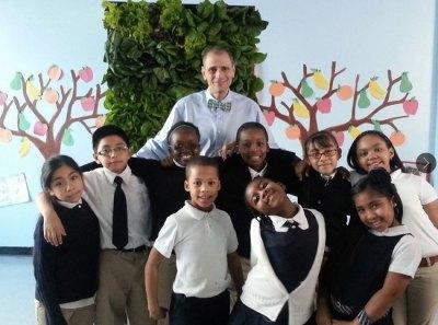 Δάσκαλος μετέτρεψε την τάξη του σε σχολικό κήπο